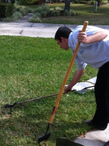 Tampa Carpet Cleaner catches Snake while cleaning carpet